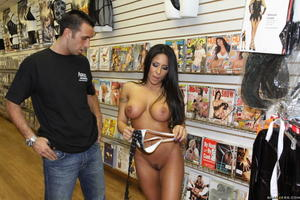 Jenaveve Jolie Sex Shop
