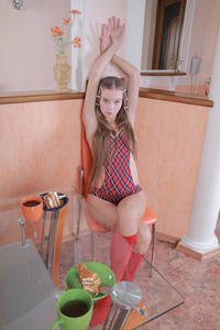 http://img258.imagevenue.com/loc133/th_396284539_tduid300163_MetArt_Imenima_Milena_D_high_0023_123_133lo.jpg