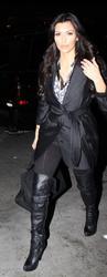 [IMG]http://img258.imagevenue.com/loc147/th_38870_Kim_Kardashian_361_122_147lo.jpg[/IMG]