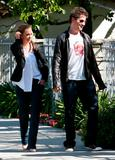 Jennifer Love Hewitt and Jamie Kennedy stroll through Los Angeles April 6 4xHQ