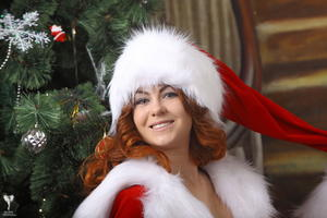 http://img258.imagevenue.com/loc38/th_531340370_silver_angels_Sandrinya_I_Christmas_1_057_123_38lo.jpg