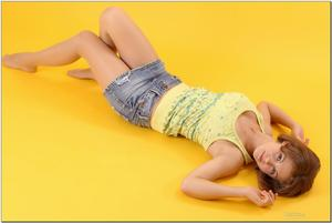 http://img258.imagevenue.com/loc508/th_279124173_tduid300163_sandrinya_model_denimmini_teenmodeling_tv_095_122_508lo.jpg