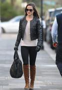 Филиппа Шарлотта 'Пиппа' Мидлтон, фото 64. Philippa Charlotte 'Pippa' Middleton Pippa Walking to Work x25 HQ, foto 64